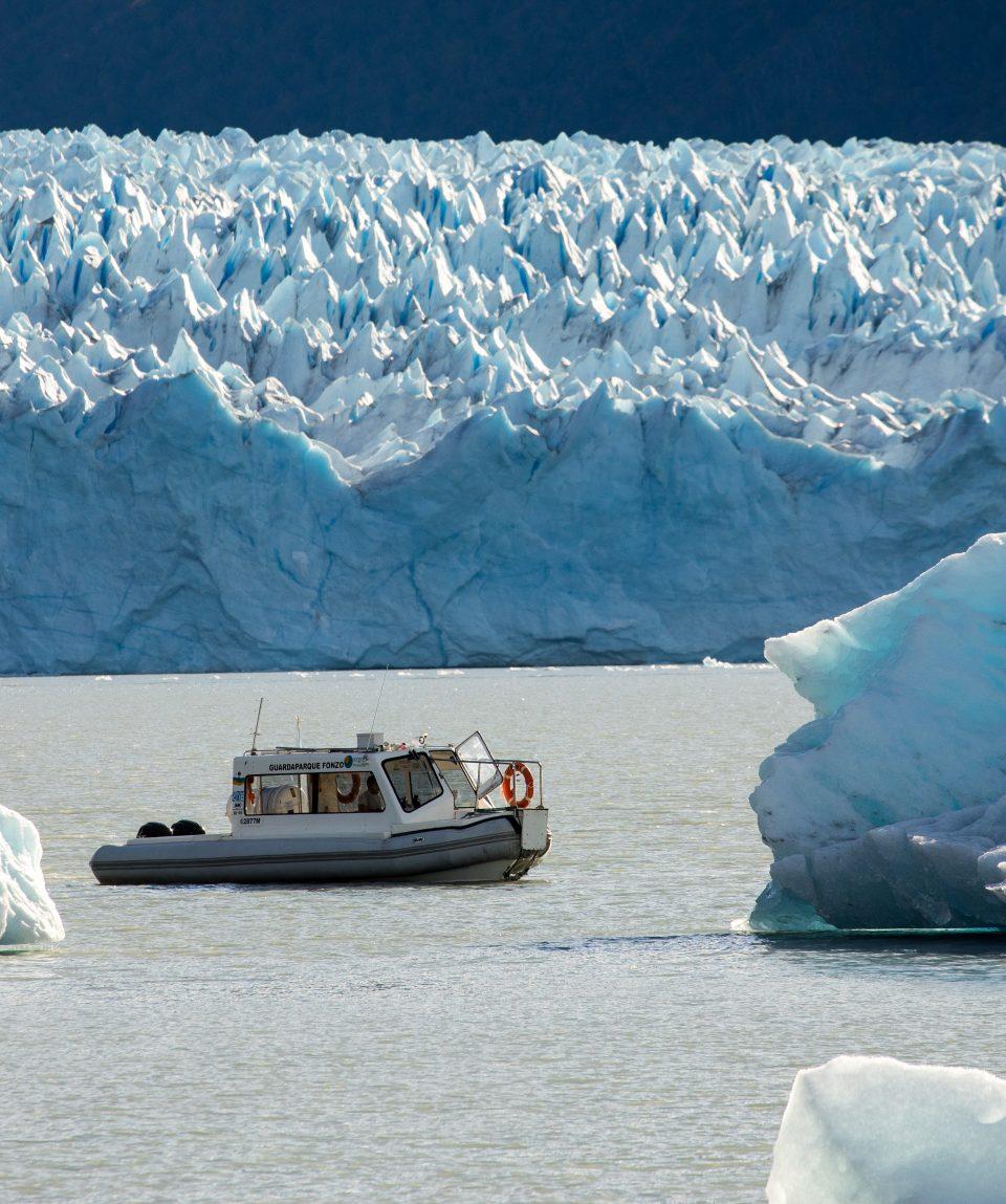 Navegación  Cara sur del Glaciar Perito Moreno